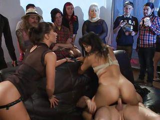 секс видео вечеринки в клубе