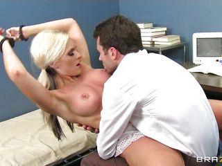 Порно массаж молоденькие