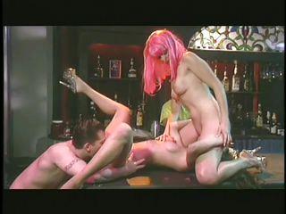 Жесткое порно кончают внутрь